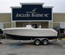 2018 Robalo R200 CC Navy Bottom All Boat
