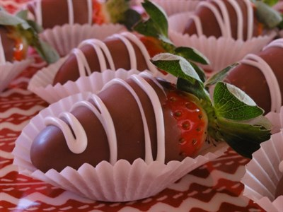 Chocolate Covered Strawberries 1/2 Dozen*