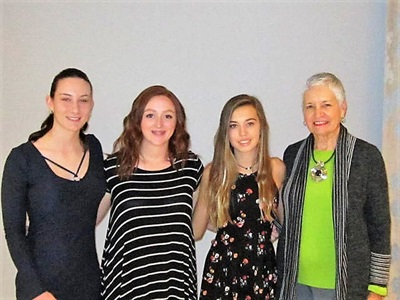 2018 Scholarship Winners - Kaylia McIntyre, Molly Minassi and McKenzie Bradley with June Somers 2017 LWGA President