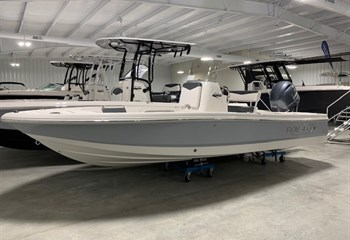 2020 Robalo R206 Cayman Alloy Gray (ON ORDER) Boat