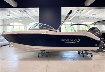 2021 Robalo R207 Biscayne Blue/White (ON ORDER) Boat