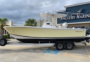 2012 Regulator 28 Boat