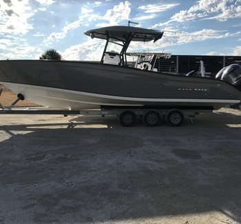2018 Cape Horn 31T Gray/Black Used Boat