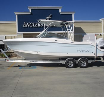 2019 Robalo R247 Ice Blue liquid-unknown-field [type] Boat